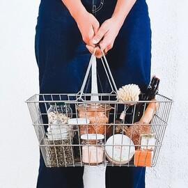 ¿Quieres 10€ de DESCUENTO en tu próxima #comprasostenible? 👇🏼 ⠀⠀⠀⠀⠀⠀⠀⠀⠀ Desde hoy ya puedes canjear tus BONOS PRESCO* en nuestro #minimarketresiduocero 🛒 Llévate 10€ de descuento 💁🏽♀️ por cada compra igual o superior a 30€  ⠀⠀⠀⠀⠀⠀⠀⠀⠀ Los #bonospresco son una gran iniciativa 💛 de impacto directo que @coruna_gal vuelve a poner en marcha para incentivar el #consumolocal 👏🏼💛 ⠀⠀⠀⠀⠀⠀⠀⠀⠀ Si eres ciudadanx coruñés y todavía no te los has descargado corre al link directo que te dejamos en nuestra bio 📲 ¡Es muy fácil! ⠀⠀⠀⠀⠀⠀⠀⠀⠀ * Estos bonos NO son acumulables a nuestro descuento por compras #residuocero  •••••••••••••••••••••••••••••••••••••••••••••••• #granel #sinplastico #residuocero #ceroresiduo #ceroresiduos #zerowaste #zerowasteliving #ecofriendly #sustainable #zerowastehome #noplastic #eco #healthy #foodie #veggie #plasticfree #sostenible #despensa77 #fuckfashionwewantfood